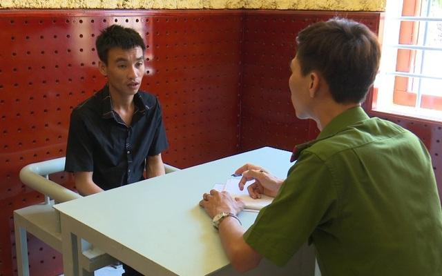 Đối tượng Nguyễn Thanh Phương tại cơ quan điều tra (ảnh: CTV)