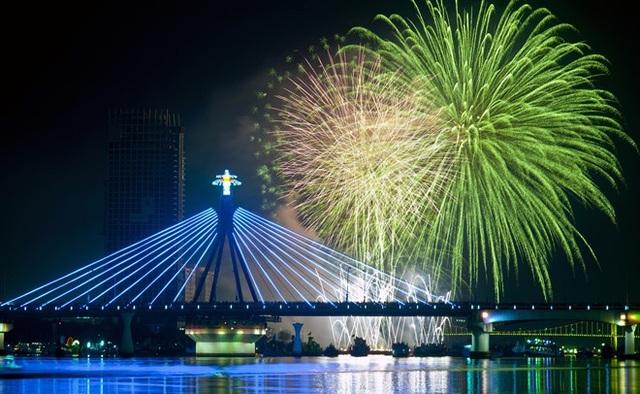Cầu sông Hàn luôn là địa điểm được du khách lựa chọn ( Ảnh: Internet)