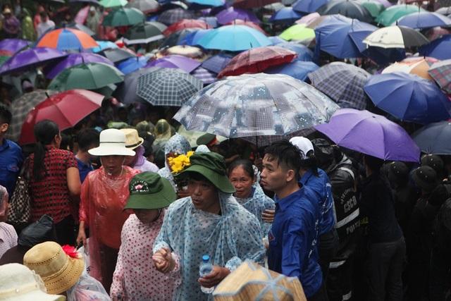 Hàng vạn người đội mưa về Đền Hùng dự quốc giỗ - 6