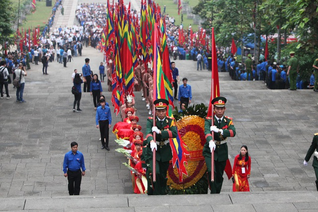 Thủ tướng Nguyễn Xuân Phúc dâng hương tưởng nhớ các Vua Hùng - 5