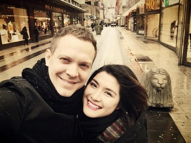 Tháng 5/2012, Bích Huyền kết hôn với một doanh nhân người Thụy Điển, sau đó sinh một bé gái xinh xắn.