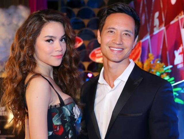 Hiện tại Hồ Ngọc Hà đang hạnh phúc bên bạn trai là diễn viên Kim Lý. Nhiều người tán thành chuyện tình cảm này bởi cả hai đều rất xứng đôi.