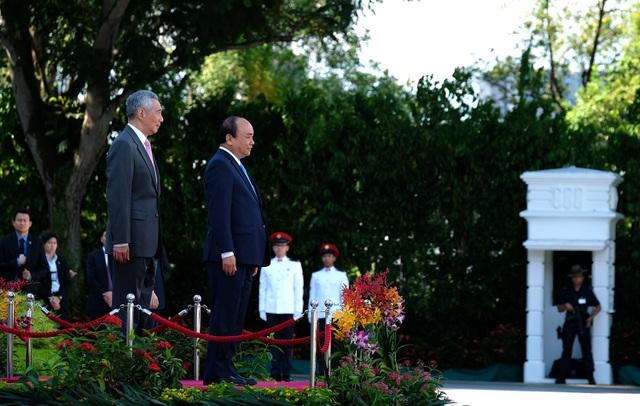 Lễ đón chính thức Thủ tướng Nguyễn Xuân Phúc tại Cung Istana (ảnh: VGP)