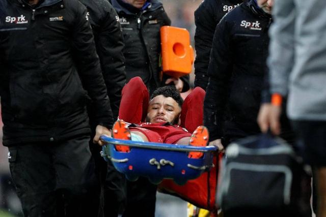 Oxlade-Chamberlain nghỉ thi đấu dài hạn khiến Liverpool tổn thương nghiêm trọng tuyến giữa