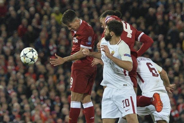 Firmino hoàn tất cú đúp ở phút 69, anh đã đón quả phạt góc để đánh đầu tung lưới Roma đưa Liverpool vượt lên dẫn 5-0