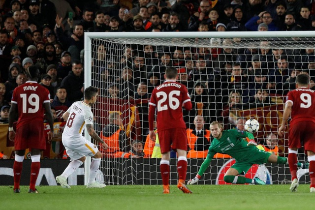 Perotti rút ngắn tỉ số xuống 2-5 sau khi thực hiện thành công quả phạt 11m do Milner để bóng chạm tay trong vòng cấm địa