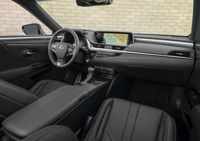 Lexus ES thế hệ mới - Động cơ cũ, sức mạnh mới - 15