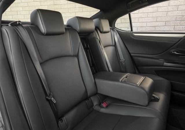 Lexus ES thế hệ mới - Động cơ cũ, sức mạnh mới - 21