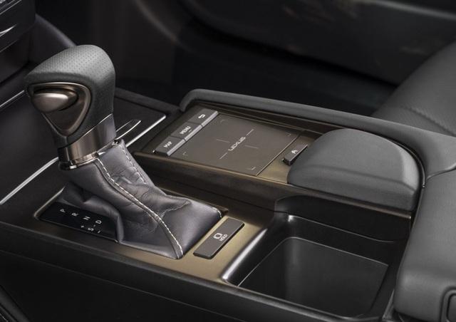 Lexus ES thế hệ mới - Động cơ cũ, sức mạnh mới - 16