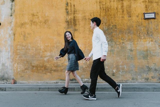 Cô gái xinh đẹp nhưng đanh đá, không mảnh tình vắt vai ngày nào đã rung động, nhận lời yêu của chàng trai ngoại quốc khiến bạn bè khá bất ngờ.