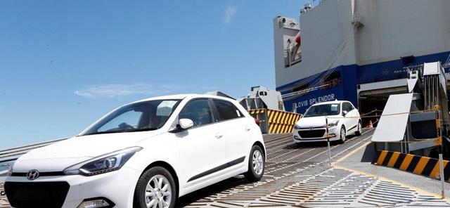 Tổng lượng ô tô nhập khẩu trực tiếp từ Hàn Quốc về Việt Nam 7 năm qua chiếm lượng lớn nhất, vượt qua cả xe xuất xứ từ Thái, Nhật Bản.