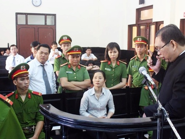 Bị cáo Tuyết lãnh 12 năm tù.