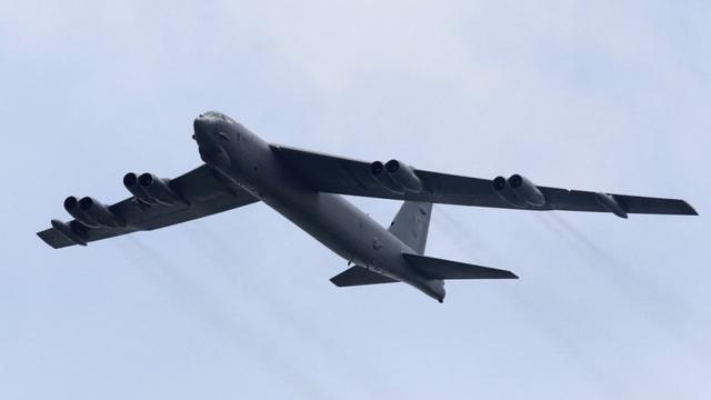 Máy bay ném bom chiến thuật B-52 (Ảnh minh họa: Reuters)