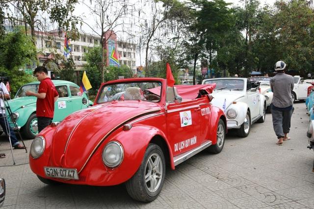 Độc đáo màn diễu hành xe cổ Volkswagen tại Cố đô Huế - 2