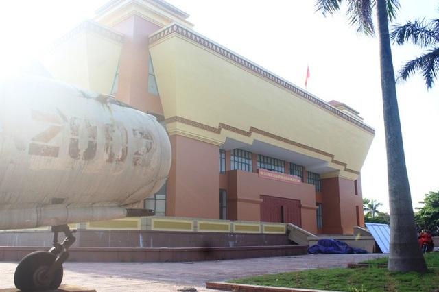 Dù được đầu tư hàng chục tỷ đồng nhưng Bảo tàng Tổng hợp tỉnh Quảng Bình vẫn luôn trong tình trạng cửa đóng then cài
