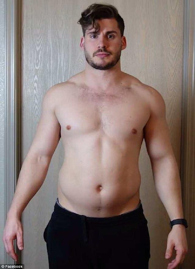 Thân hình của Hobbs trước khi bước vào tập luyện.