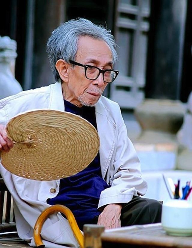 Diễn viên Kim Lân mất năm 2007, thọ 87 tuổi.