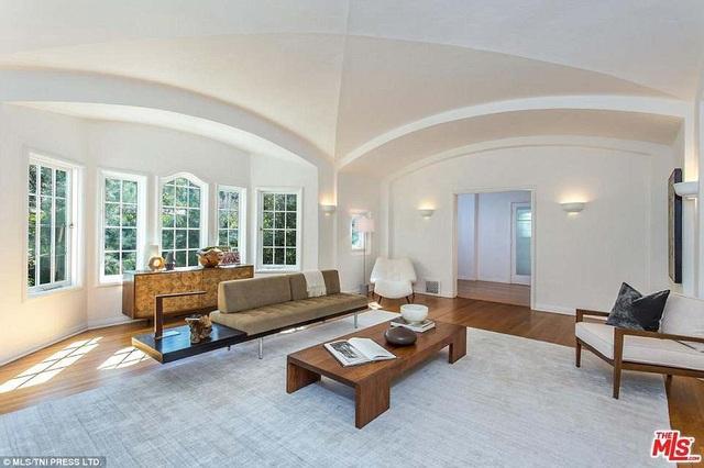 Ngôi nhà mới sẽ là nơi tuyệt vời để Leo thư giãn bên bạn bè
