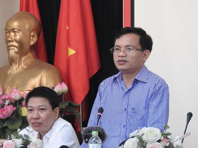Ông Mai Văn Trinh, Cục Trưởng Cục Quản lý Chất lượng (Bộ GD&ĐT) giải đáp thắc mắc tại buổi họp báo.