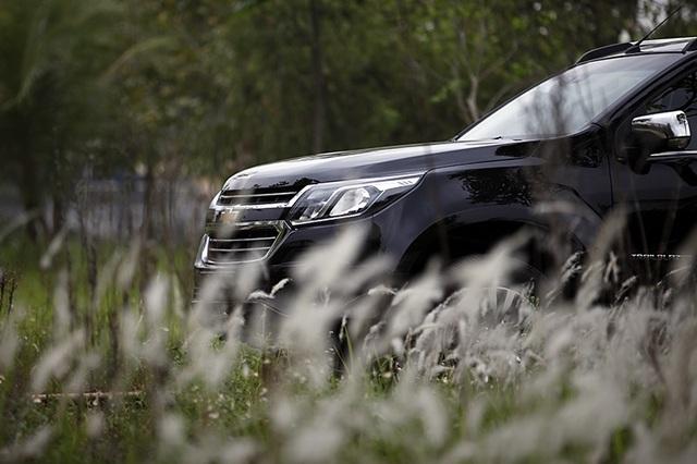 Giá bán của Chevrolet Trailblazer không chỉ cạnh tranh với các đối thủ trong nước, mà so với các phiên bản tương đồng tại thị trường Thái Lan cũng không có nhiều khác biệt.