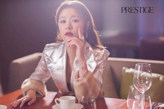 Nữ diễn viên nổi tiếng của Đài Loan kết hôn vào năm 2016 và sinh con vào đầu năm 2017. Cuộc hôn nhân của cô với ông xã kém tuổi Hoắc Kiến Hoa luôn là tâm điểm của truyền thông Hoa ngữ suốt 2 năm qua.
