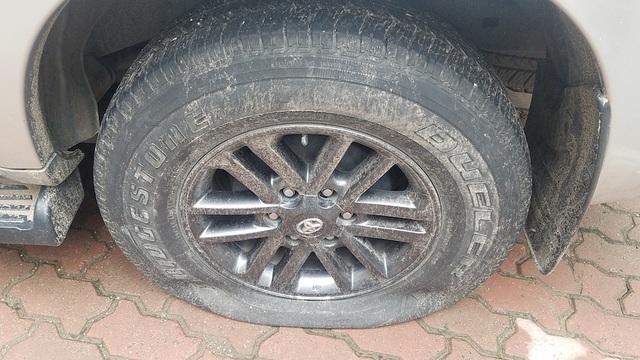 Gần 40 ô tô ở khu chung cư Hà Nội bị chọc thủng lốp trong đêm - 6