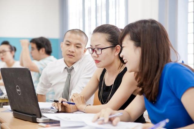Chương trình Thạc sỹ chuyên ngành chú trọng các hoạt động động thực tế nhưlàm dự án, thăm quan thực tế doanh nghiệp, thuyết trình, tọa đàm chuyên đề…