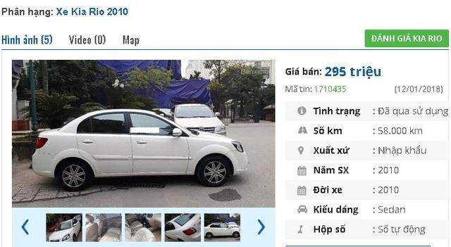 Chiếc Kia Rio EX 1.4 AT năm 2010, màu trắng, nhập khẩu này đang được rao bán giá 295 triệu đồng tại chợ xe hơi cũ. Theo chủ nhân rao bán, xe có camera lùi nội thất đẹp, có túi khí trước, larang đúc.