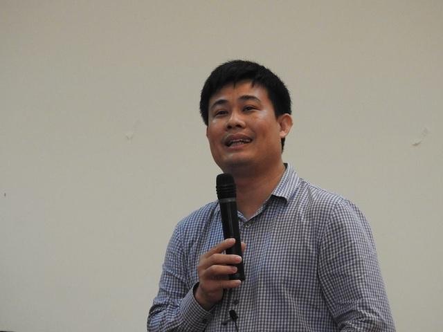 TS Sái Công Hồng - Phó Cục trưởng Cục Quản lý Chất lượng, Bộ GD&ĐT thông tin về đề thi tại họp báo.