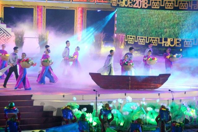 Pháo hoa rực rỡ trong đêm khai mạc Festival Huế 2018 - 16