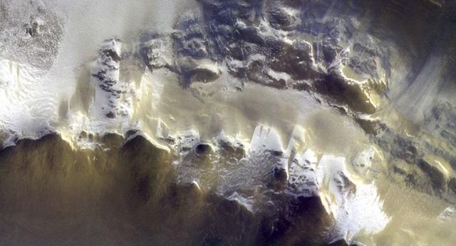 Bức ảnh màu đầu tiên chụp bề mặt sao Hỏa - 1