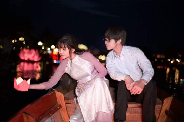 Ảnh cưới áo dài được Vân và Hùng chụp tại Hội An