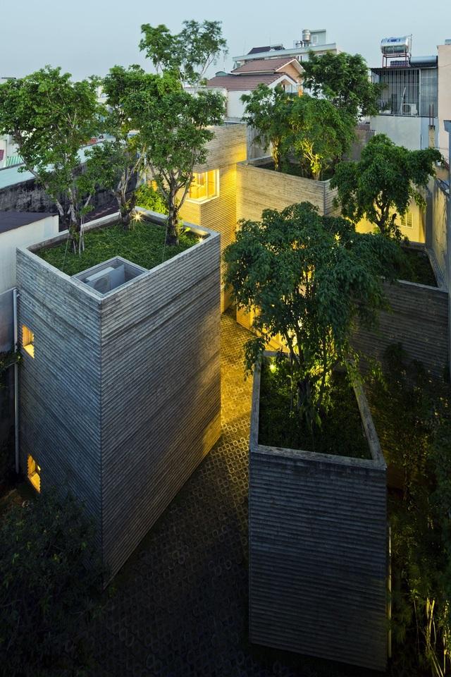 Công trình được thực hiện tại: Tân Bình, TP.Hồ Chí Minh với tổng diện tích sàn: 226m2.