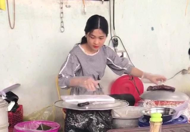 """""""Hot girl bánh mướt"""" xứ Nghệ (nguồn: FB Nghệ An)"""