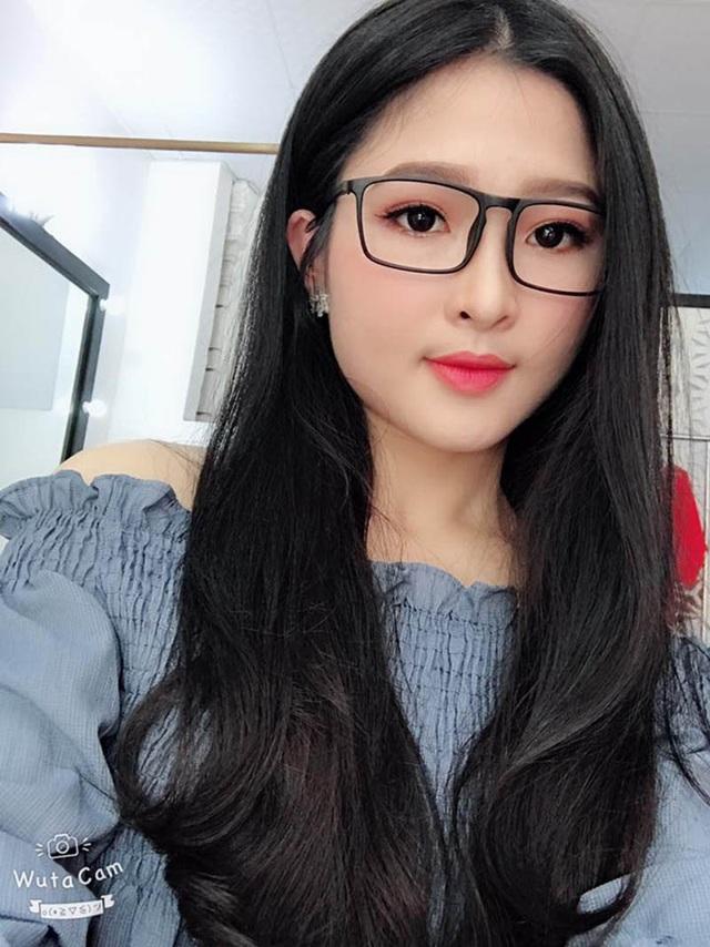 """""""Hot girl tráng bánh mướt"""" xứ Nghệ vừa xinh đẹp, lại đảm đang - 3"""
