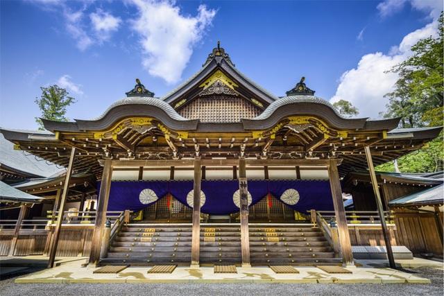 Ngôi đền linh thiêng kỳ lạ cứ 20 năm xây lại một lần - 2