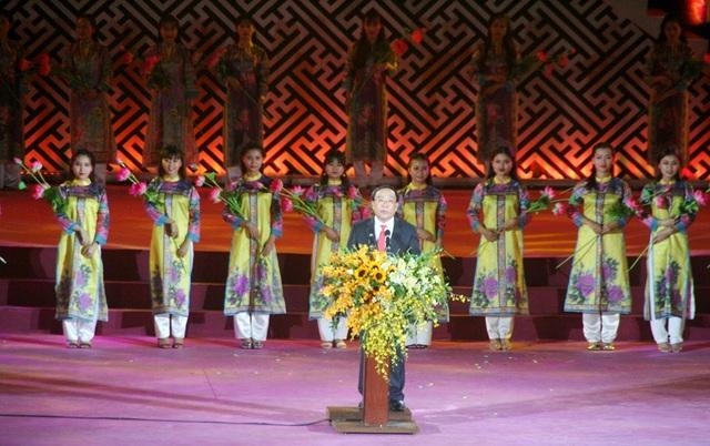 Ông Nguyễn Văn Cao, Chủ tịch UBND tỉnh Thừa Thiên Huế phát biểu chào mừng Festival Huế lần thứ 10 - 2018