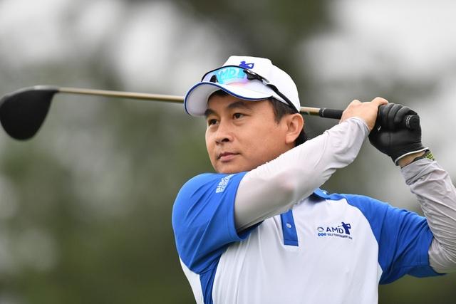 Golfer Nguyễn Minh Tuấn đã đoạt ngôi vô địch FLC AMD Golf Tournament 2018 - 2