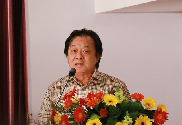 NSND Trần Ngọc Giàu phát biểu tại hội nghị