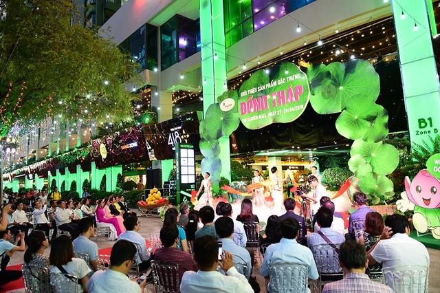 Diễn ra từ ngày 27/4 đến hết 29/04, sự kiện với sự tham gia nhiều doanh nghiệp, làng nghề nhằm giới thiệu các đặc trưng Đồng Tháp. Tất cả được tái hiện trong không gian đậm nét văn hóa của TTTM The Garden Mall.