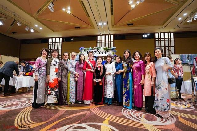Cô gái Việt tài sắc nổi bật tại Hội chợ từ thiện phụ nữ Châu Á Thái Bình Dương - 6