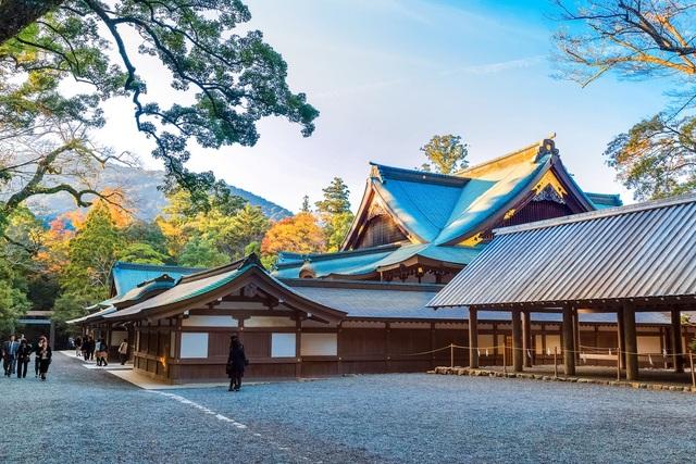 Ngôi đền linh thiêng kỳ lạ cứ 20 năm xây lại một lần - 3