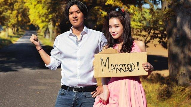 Thư Kỳ và ông xã Phùng Đức Luân đang có cuộc sống hôn nhân viên mãn.