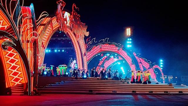 """Rực rỡ sắc màu lễ Khai mạc """"Năm Du lịch quốc gia 2018 - Hạ Long, Quảng Ninh"""" - 7"""