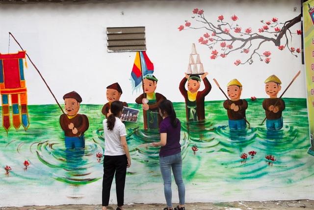 Các tác phẩm tranh đường phố được thực hiện bởi Đoàn thanh niên xa Sài Sơn và một nhóm sinh viên trường Đại học Mỹ thuật Công nghiệp.