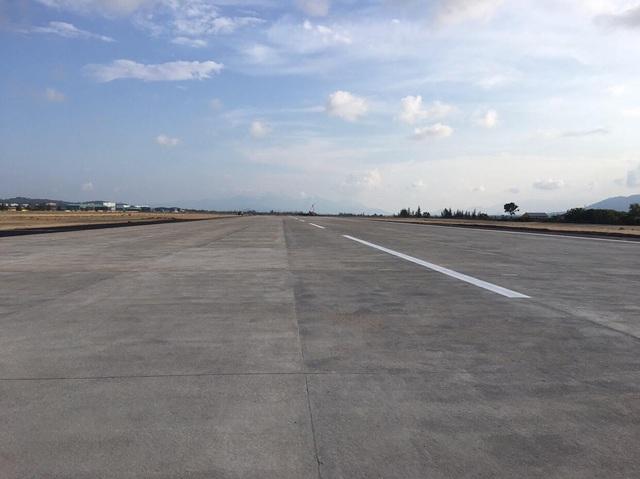 Đường băng 02 sân bay Cam Ranh chưa đưa vào khai thác