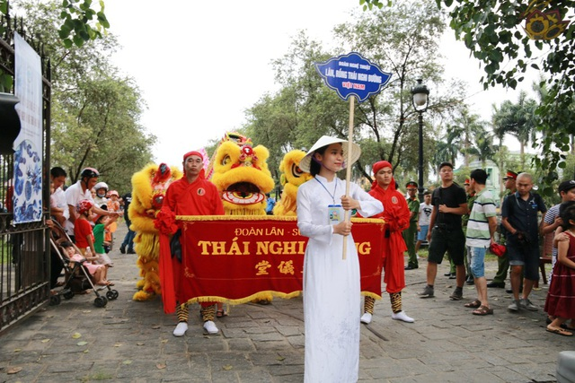 Đoàn lân xứ Huế - Thái Nghi Đường