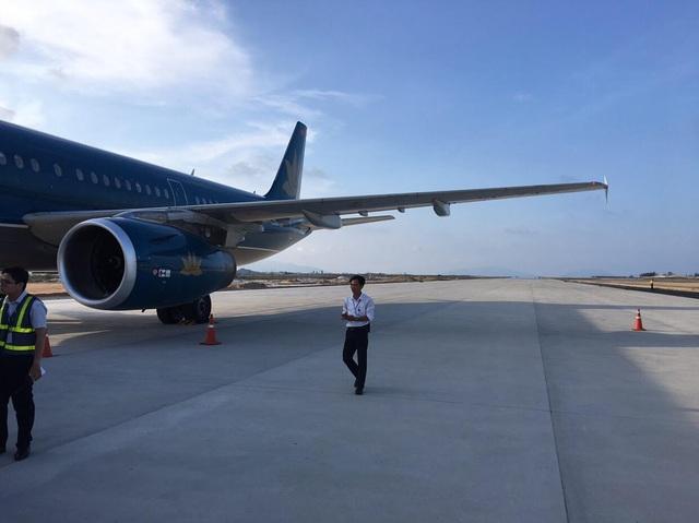 Chiếc Airbus 321 của Vietnam Airlines hạ cánh nhầm đường băng 02 sân bay Cam Ranh chiều 29/4