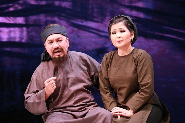 Nghệ sĩ NSƯT Thanh Tuấn trong vai thầy Ba Đợi khi về già