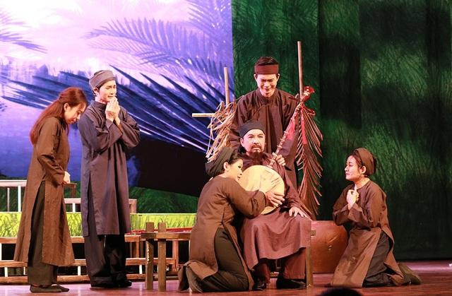 Vở diễn đã mang lại nhiều xúc động cho khán giả về người khai sáng cải lương với cuộc sống thanh bạch đến cuối đời...